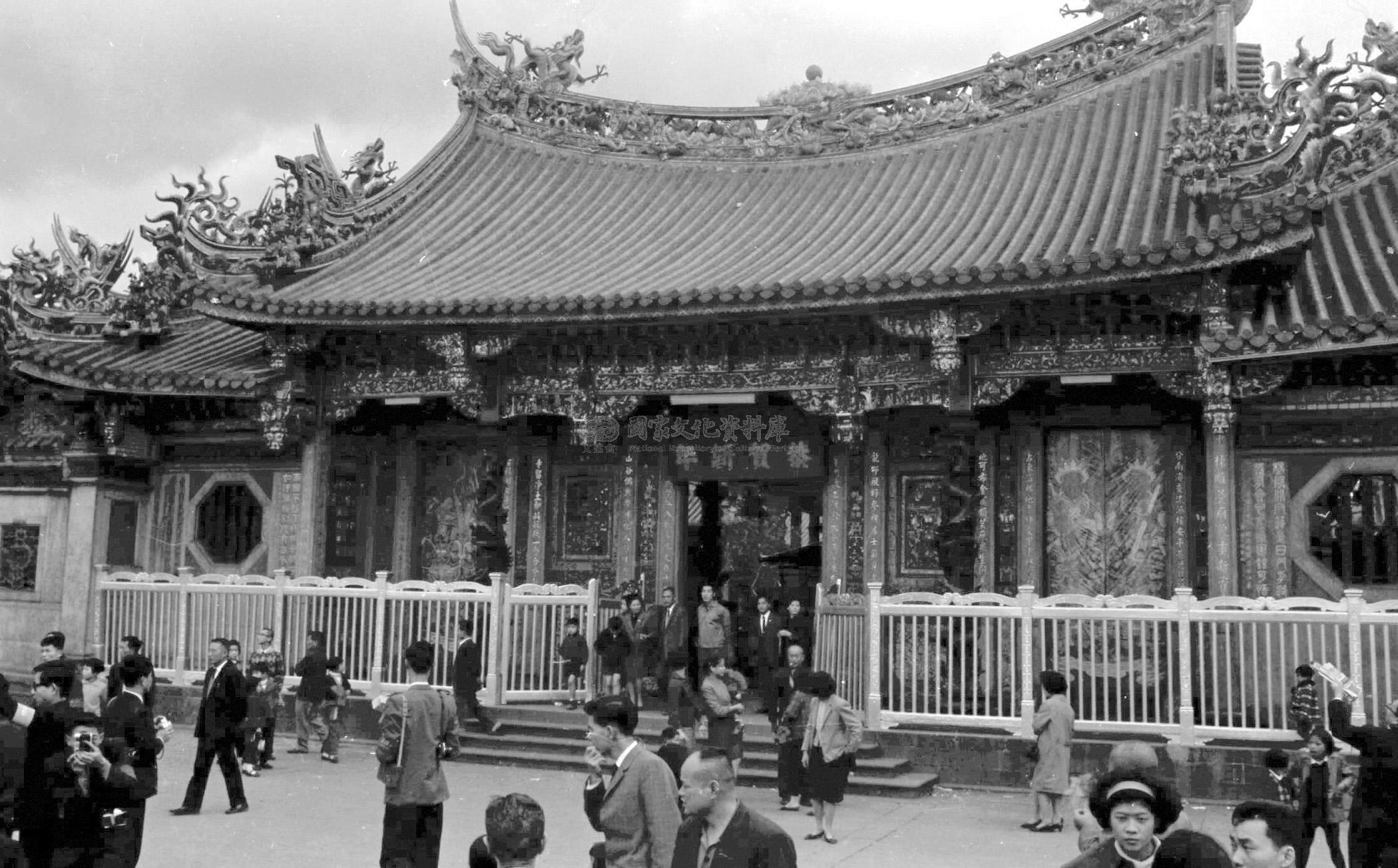 新春寺廟拜拜